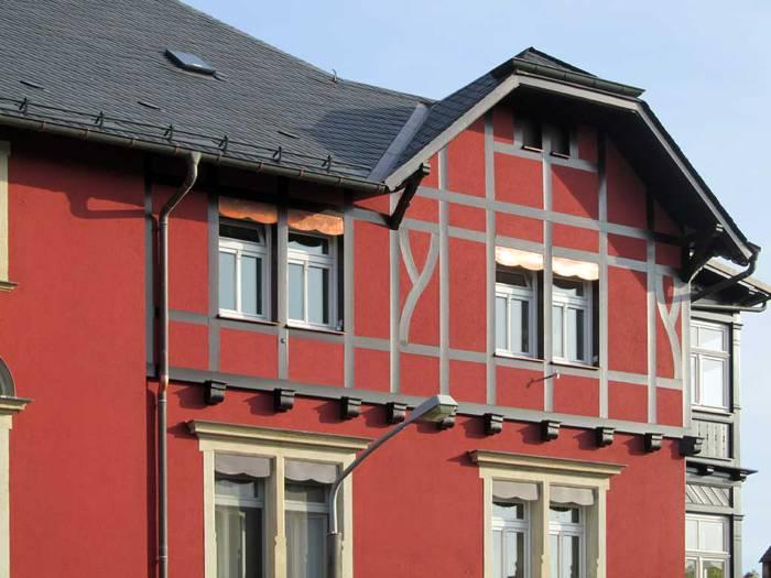 Fassade grau streichen huser von regin fassade streichen for Wohndesign dresden